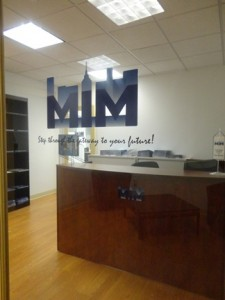 mim - reception desk