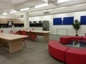 Discover English Lounge